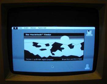 Horizontal screen display flattening MacIntosh