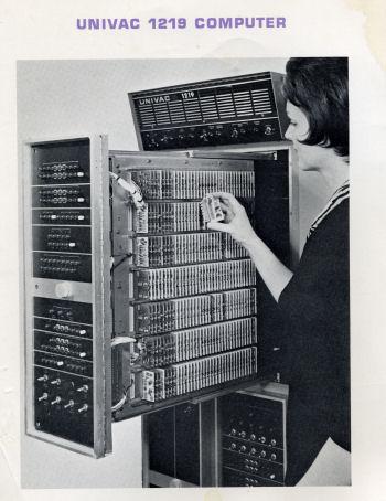 Vintagecomputer Net Univac 1219 Commodore 116 Altair
